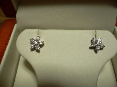 "18kt white gold ""floral""diamond earrings"