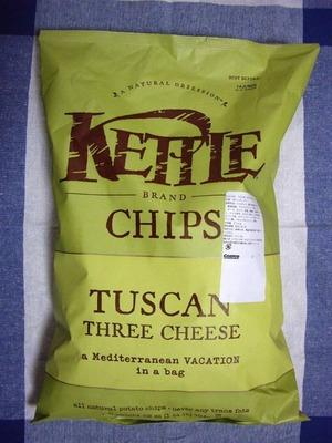 (名無し)さん[1]が投稿したKETTLE TUSCAN 3CHEESE POTATOCHIP(ポテトチップス)の写真