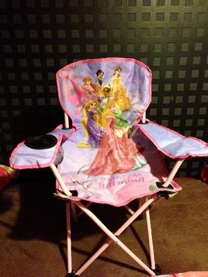 (名無し)さん[20]が投稿したDISNEY ディズニー Youth Folding Armchair(ユースフォーディングアームチェア)の写真