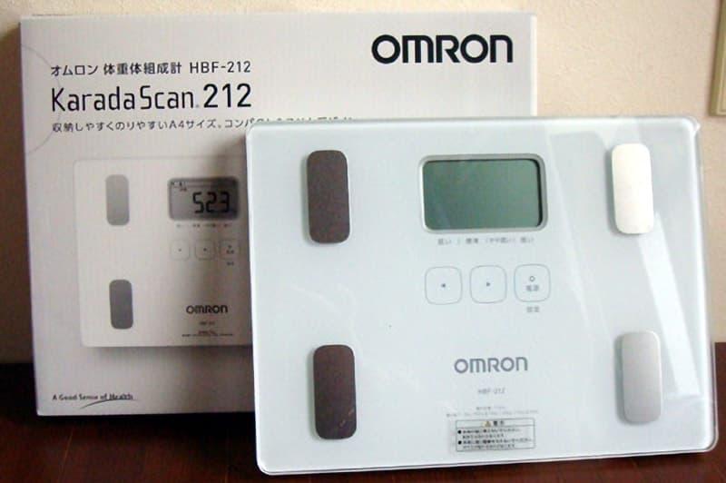 [2]が投稿したOMRON(オムロン) 体重体組成計 カラダスキャン212の写真