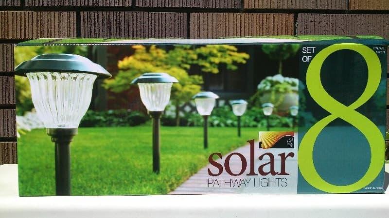 [2]が投稿したPATHWAY LIGHTS solar SET OF 8 スティックソーラーライトの写真