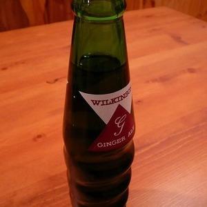 アサヒ飲料 ウィルキンソン ジンジャーエール