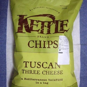 KETTLE TUSCAN 3CHEESE POTATOCHIP(ポテトチップス)