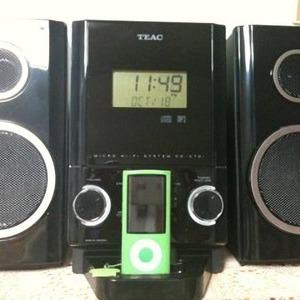 TEAC iPhone/iPod ドック付き CDプレーヤー CD-X70i