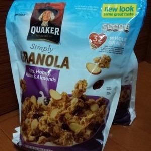 Quaker クエーカー 100%ナチュラル シリアル (グラノーラ)
