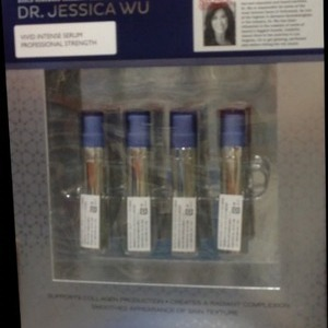 Dr. Jessica Wu ジェシカウー ビビッドインテンス セラム 美容液