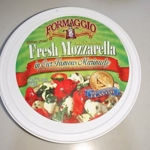 FORMAGGIO Fresh Mozzarella in Our Famous Marinade モッツァレラチーズ 香味油漬け
