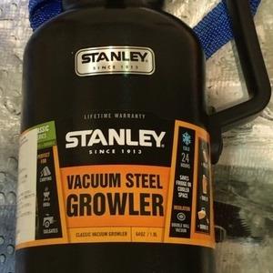 STANLEY(スタンレー) ULTRA VACUUM BOTTLE(ステンレス製携帯用魔法瓶)