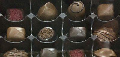 (名無し)さん[3]が投稿したゴディバ アソートメント 12粒入りの写真