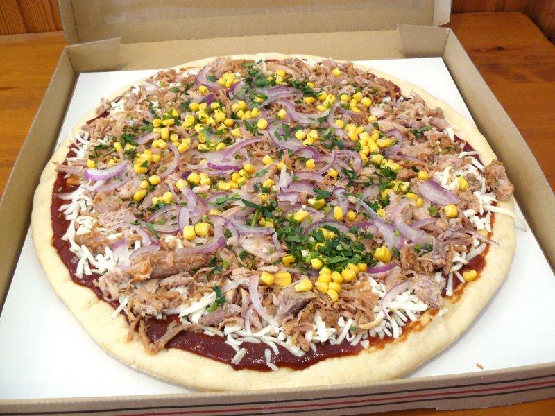 [5]が投稿したカークランド 丸型ピザ ザ プルドポークの写真