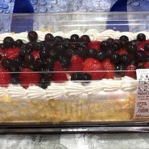 カークランド ストロベリーブルーベリーケーキ