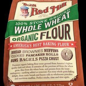 BOBS RED MILL オーガニック全粒小麦粉