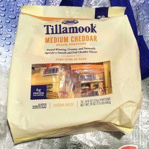 ティラムーク ティラムース ミディアムチェダーチーズ