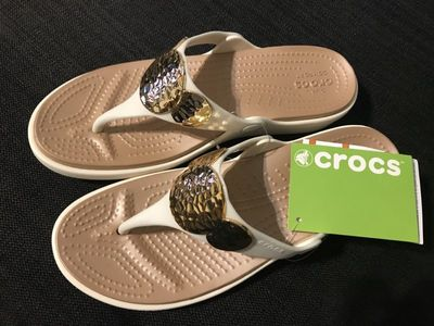 CROCS クロックス Sanrah Embellished Wedge Flip