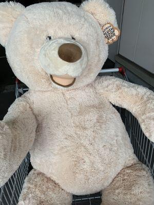 クマのぬいぐるみ(約134cm 大きめサイズ)