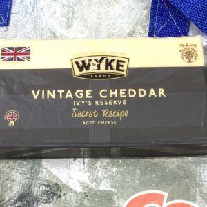 WYKE FARMS ワイク ビンテージリザーブ チェダーチーズ